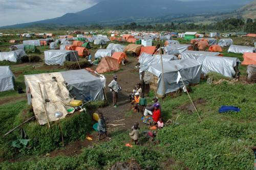 Construction en mise en place de camps de réfugiés