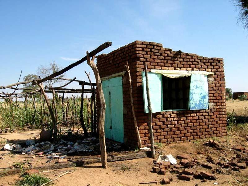 Poste de santé détruit au Darfour