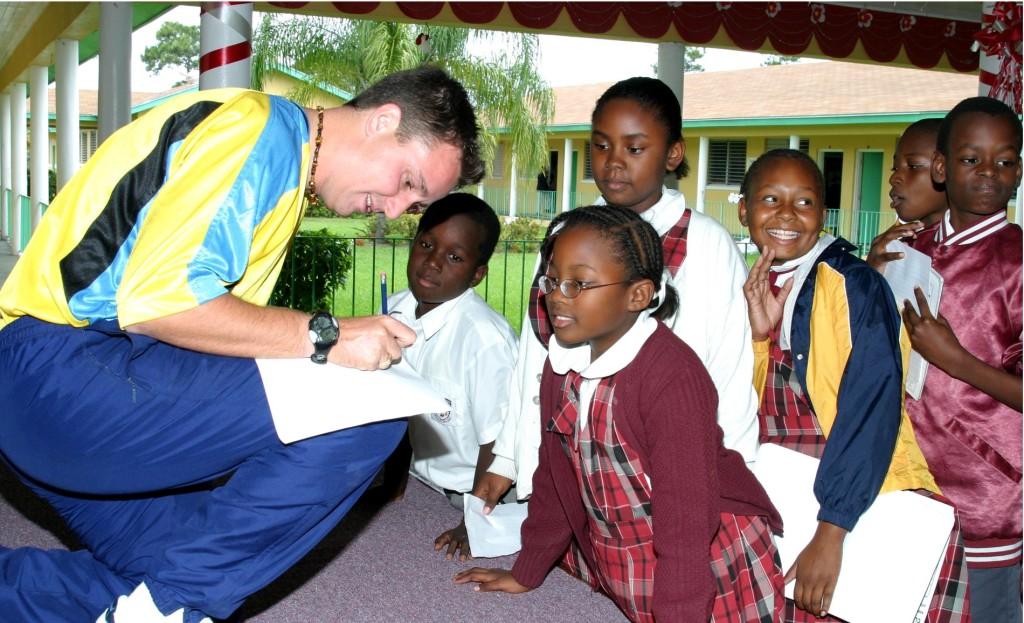 Des enfants à l'école aux Bahamas
